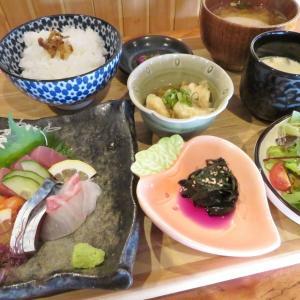 『和食の定番お刺身・天ぷらと小鉢・サラダがセットになった和食ランチを楽しめる!ゆったり静かに食事ができる和食のお店』和すろーふーど あがや@揖保郡太子町