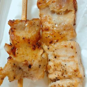 最近は焼き鳥より豚串、焼とん(豚串、豚ロース串、豚バラ串)がお好き♪