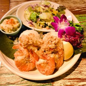 コナズ珈琲でハワイ料理ランチ♪ #モチコチキン #ガーリックシュリンプ