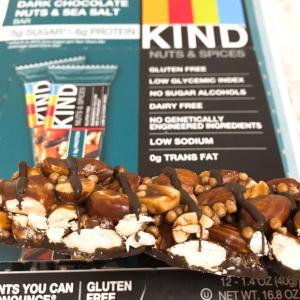 KIND Bars, ナッツ&スパイス、ダークチョコレートナッツ&シーソルトしか勝たん