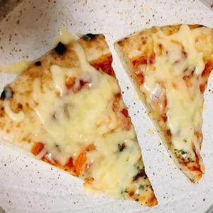 イオンの総菜ピザとイオンのチーズ