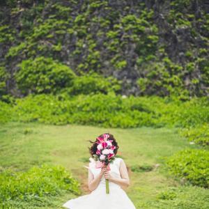 沖縄フォトウエディングで造花ブーケ|アーティフィシャルフラワー