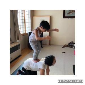 親子で身体いっぱい動かす親子ヨガ