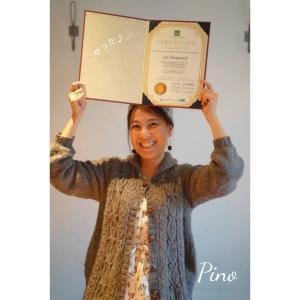 【ベビーマッサージBasic講座】合格した卒業生さえちゃんにディプロマ授与。