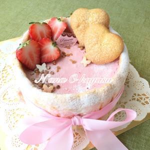 イチゴのシャルロットケーキ