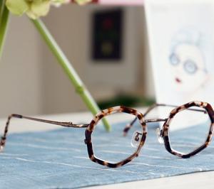 八角形のメガネ!!