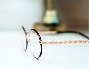 ロマンチックな乙女のメガネ