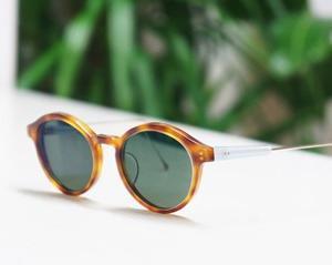 視力が悪くて度数を入れたサングラスを作りたい方におすすめ。