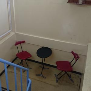 コインランドリーに休憩スペースを設置しました