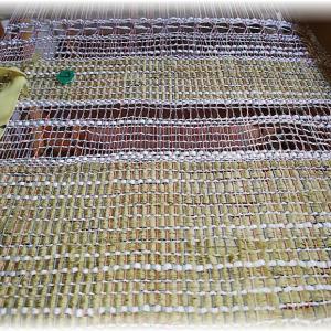 ~蕗の葉染、銅媒染の糸~