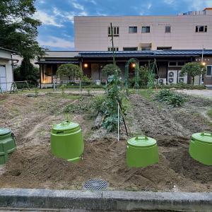 養護老人ホーム和楽園ワイワイ菜園にミラクルコンポを取り付けました