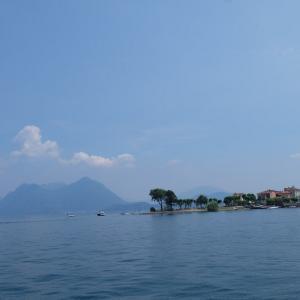 2019年夏旅 イタリア・ベルギー・イギリスの旅 ミラノ マッジョーレ湖で泳ぐ