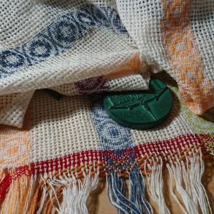 5色のwoolはturned overshot +  hucklaceの続き2
