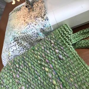 初日前ぽっかり空いた時間に作品一気完成して、輪織りに裂織り、手織りデコたくさん出品楽しみにね〜!