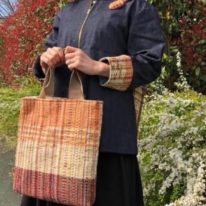 桜見納めお天気急変直前で、ムービー編集佳境に入りパーツの組み立て粛々と。裂織りバッグで春を待つ!