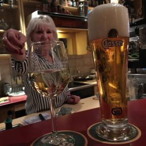 ウィーン旅行57 Cafe Dialog Rennweg beer wine ウィーン夜遊び