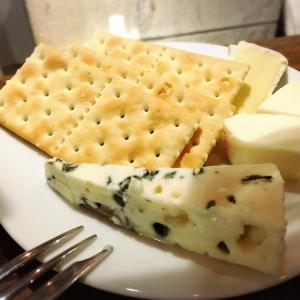 天満ワイン酒場 天満飲み歩き ワイン チーズ ロックフォール 大阪飲み歩き