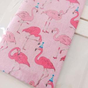 フラミンゴ柄の手帳カバー