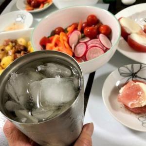 【今日の夕食(おつまみ)は・・・ ★  デザートは『イチゴ牛乳』】