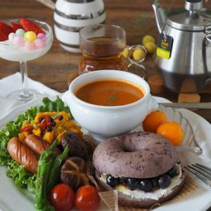 ベーグルと野菜ソテーのワンプレート