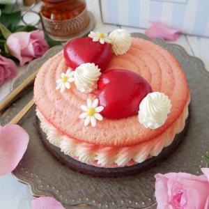 今月も可愛くて美味しいケーキが届きました!