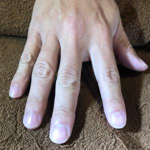 乾燥してる爪
