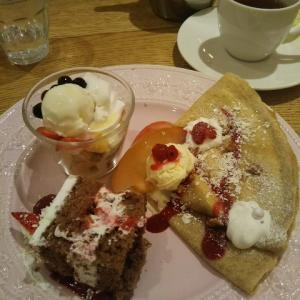 【AfternoonTea Love&Table 12月限定のアフタヌーンティーセット】
