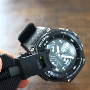 プロトレック WSD-F20 ユーザーには必携の充電ホルダー