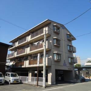 【入居者募集】富士市役所南側の好立地。駐車場1台付き1LDK。