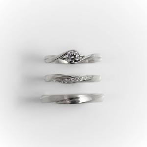 年を重ねてもずっと着けられるシンプルで着け心地の良い存在感のある婚約指輪と結婚指輪 雅表参道