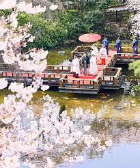 東郷神社で神前式はいかが? お花モチーフの結婚指輪