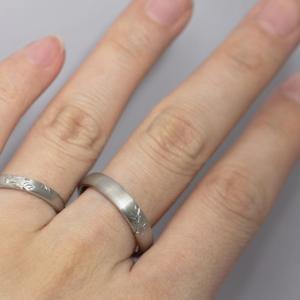 ペア感のあるお洒落なデザインが魅力的の結婚指輪