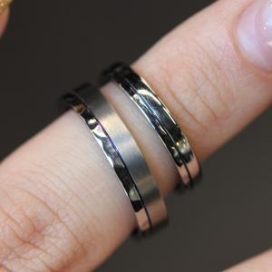 金属アレルギーの方もそうでない方もご使用していただけるご結婚指輪 雅 表参道店