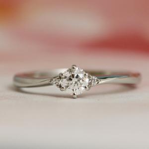 サプライズプロポーズでプレゼントされて嬉しい可憐な婚約指輪♡【京都本店】