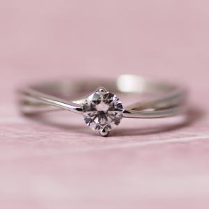 バレンタインデーにプロポーズしてみる?洗練された大人カジュアル婚約指輪【京都本店】