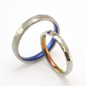 職人の手によって一打一打丁寧に打たれた模様が特徴的な結婚指輪【京都本店】