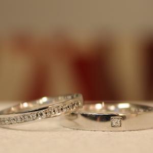 大人のたたずまいとスタイリッシュなフォルム*。贅沢感を表現した結婚指輪【京都本店】