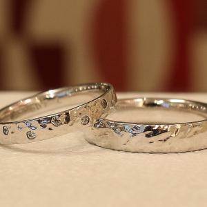 個性的でお揃い感のある結婚指輪【京都本店】