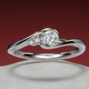 普段から安心して身に着けていただける婚約指輪✩