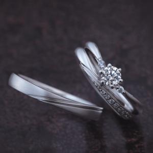 満月のように光り輝くダイヤモンドの指輪