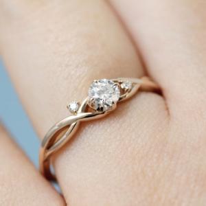 大人気デザイン!華奢で繊細な婚約・結婚指輪【京都本店】