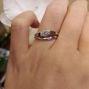 他の指輪との組み合わせも楽しめる!和モダンでシンプルなセットリング【京都本店】