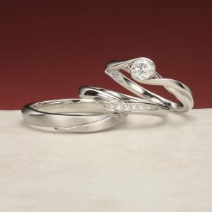 ウェーブラインが指を美しく見せてくれる!上品な印象の結婚指輪♡
