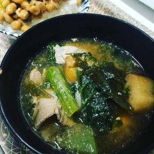 【今日のお味噌汁】今朝は私も黒豆の味噌で作った味噌汁を食べて。
