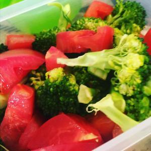【簡単レシピ】あともう一品!のオススメ料理。トマトのマリネ。