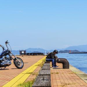 海岸散歩 2020 秋 高松港で一休み