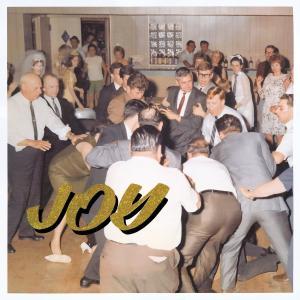 今日の1曲、IDLES の『LOVE SONG』