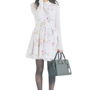 ≪値下げ!≫mille fille closet の白花柄フィット&フレアーワンピース◎マスト買