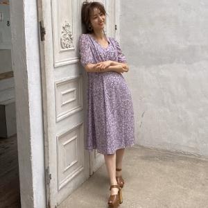 ラベンダーカラー×小花柄ワンピースが最強♪ #堀田茜