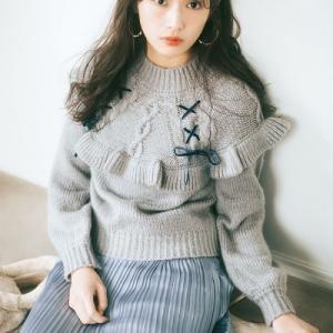 渡辺梨加さんの【毎日ニット図鑑】圧倒的な美少女オーラを放つ♡ 愛されお姫様コーデ